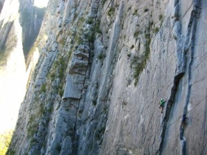 Cliffmama climbing on Sancho Panza (5.11a), Potrero Chico